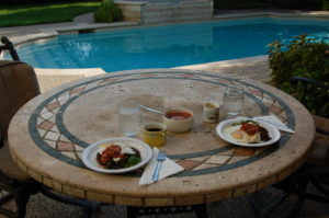 texmex breakfast poolside