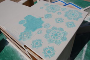 Stencilling the top counter of the hutch