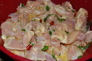 Chicken marinating in fajita sauce