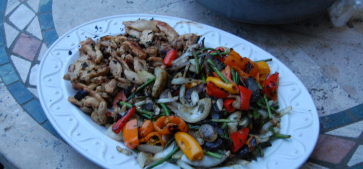 Versatile Meals – chicken OR veggie fajitas – vegan or not, everyone's happy!