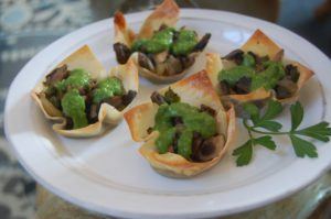 Wonton Cups stuffed with Mushrooms