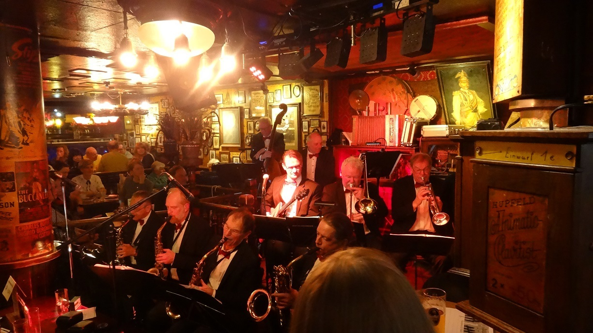 Jazz band at Papa Joe's