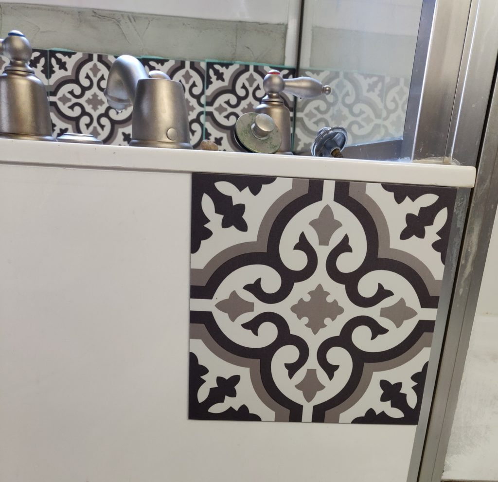 Working with vinyl tiles